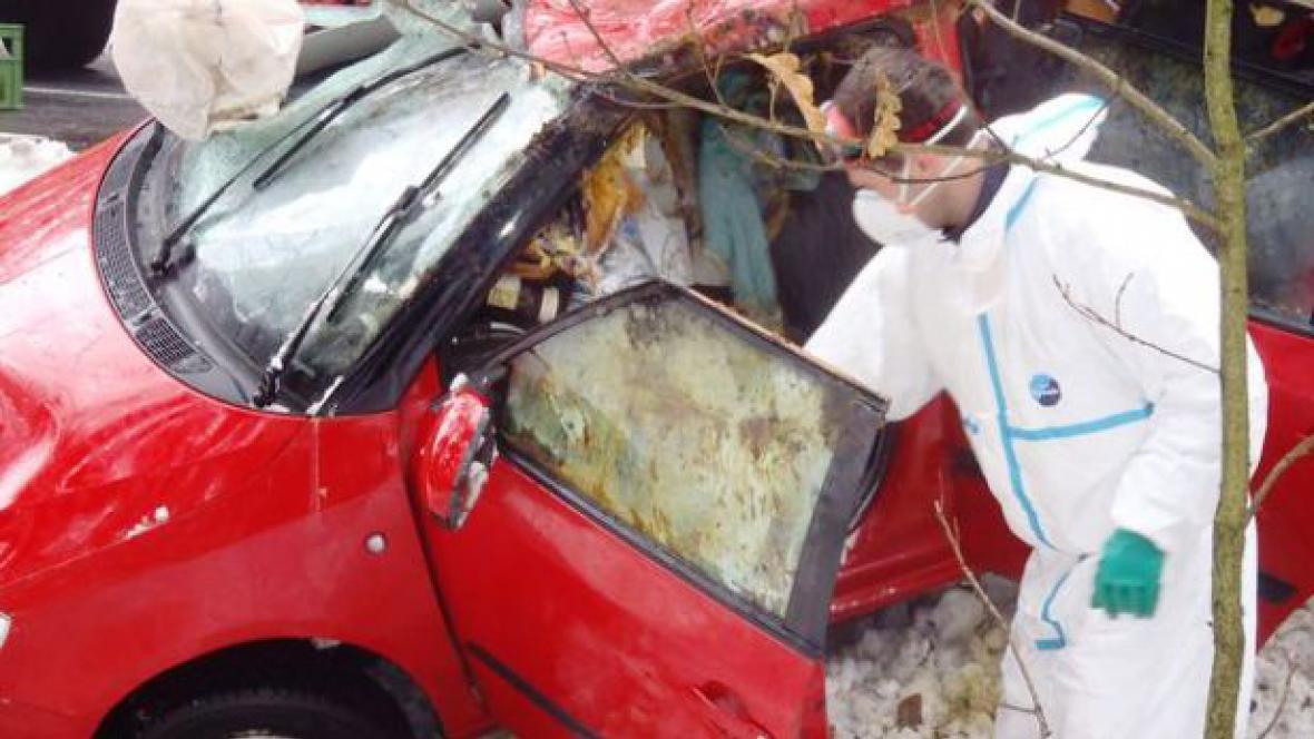 Nehoda auta s kyselinou
