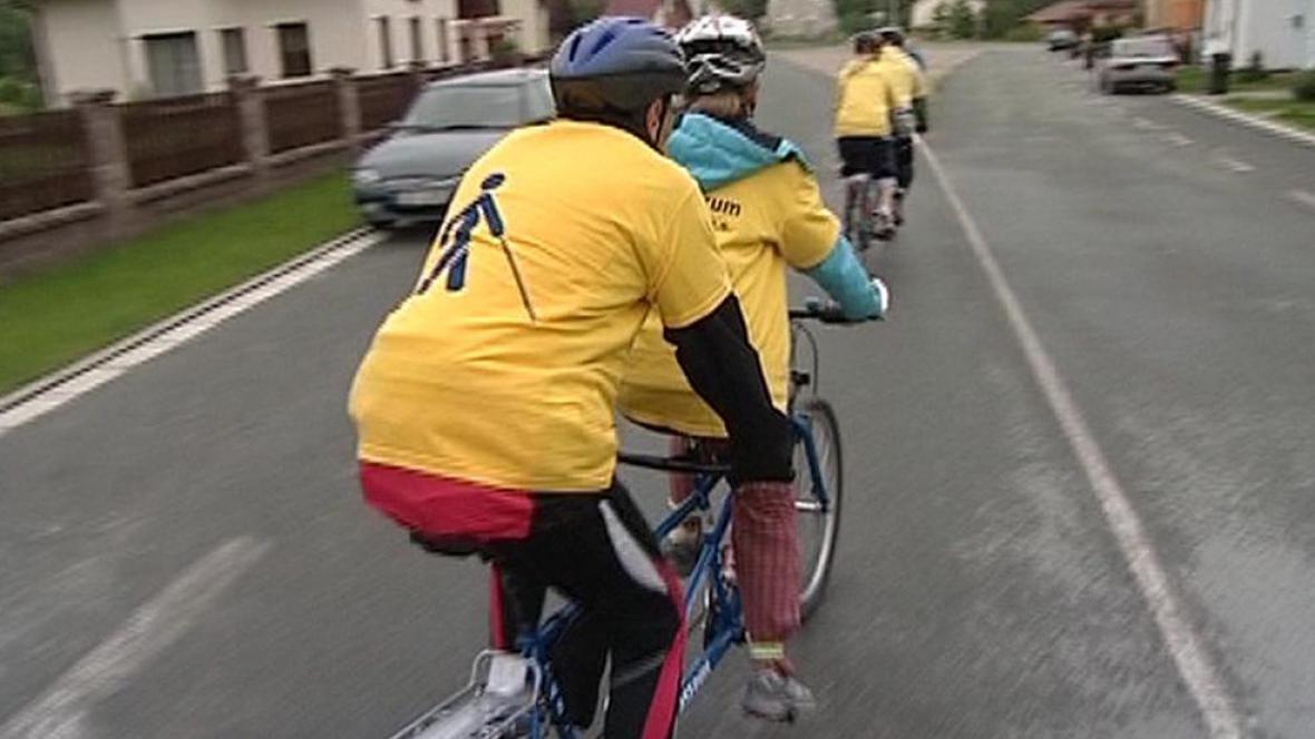 TyfloCentrum pořádá pro nevidomé i jízdy na kole