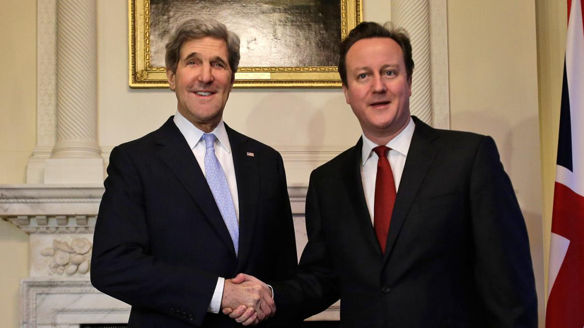 John Kerry a David Cameron