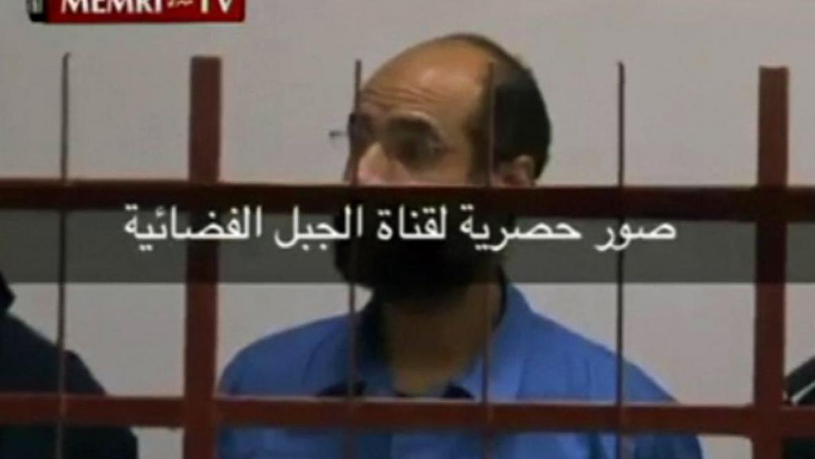 Tajně pořízené záběry ze soudu se Sajfem Islámem Kaddáfím