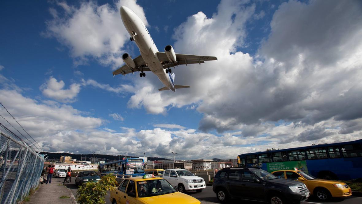 Přistání na starém letišti v Quitu