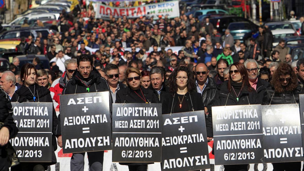 Pochod demonstrantů v Aténách