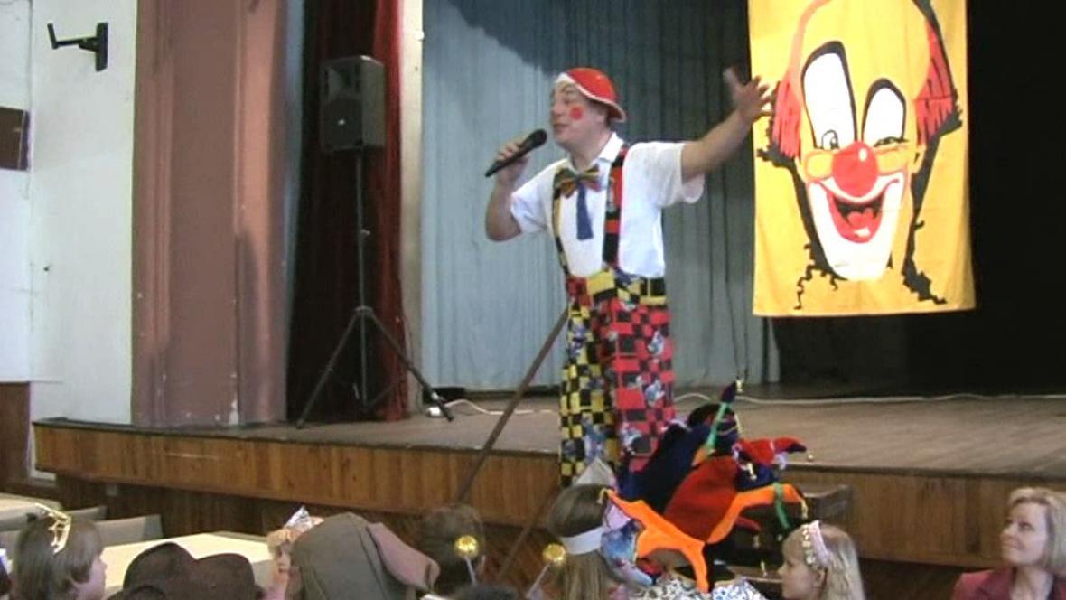 Klaun zahajuje karneval v Boskovicích