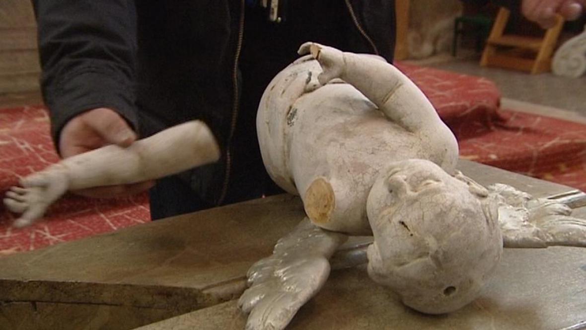 Poškozená socha