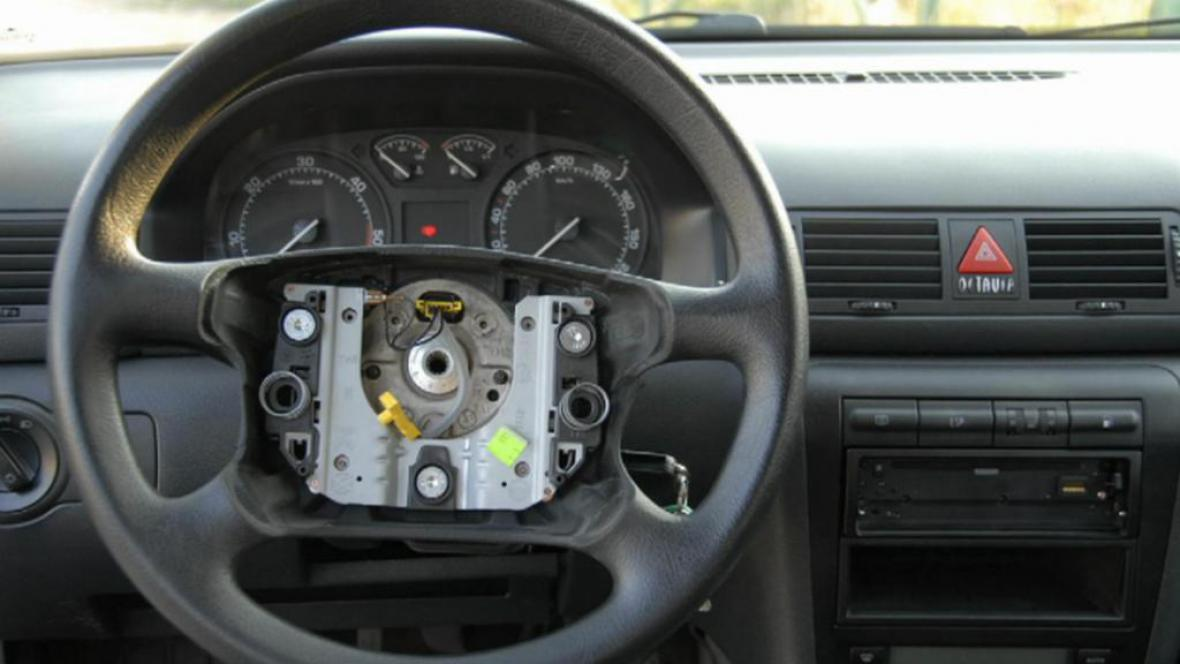 Auto bez airbagu