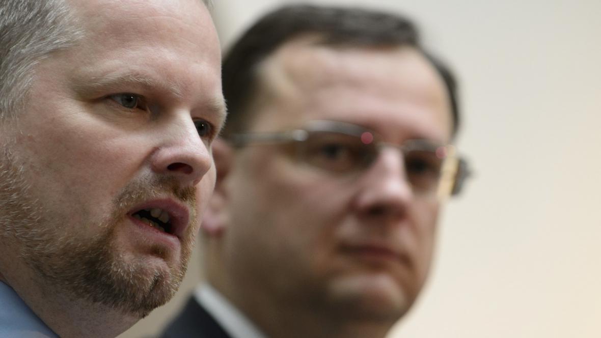 Ministr školství Petr Fiala a premiér Petr Nečas