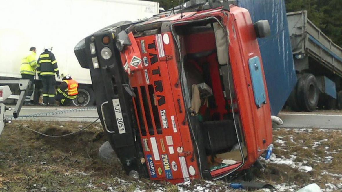Nehoda kamionů u Velké Bíteše