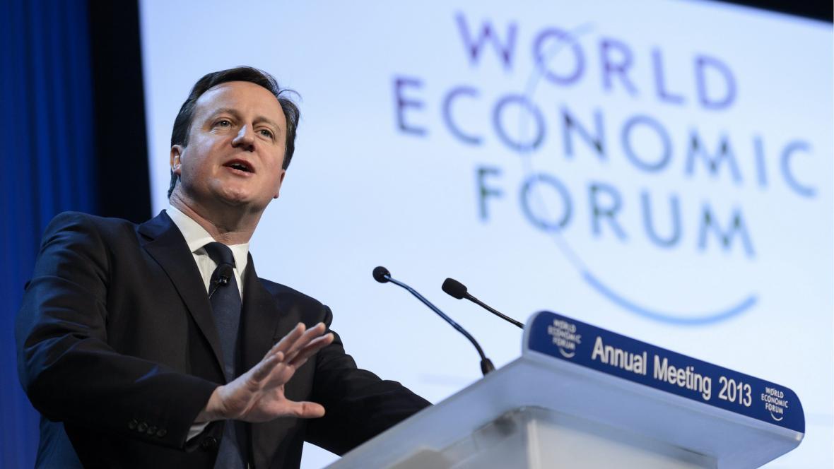 David Cameron v Davosu