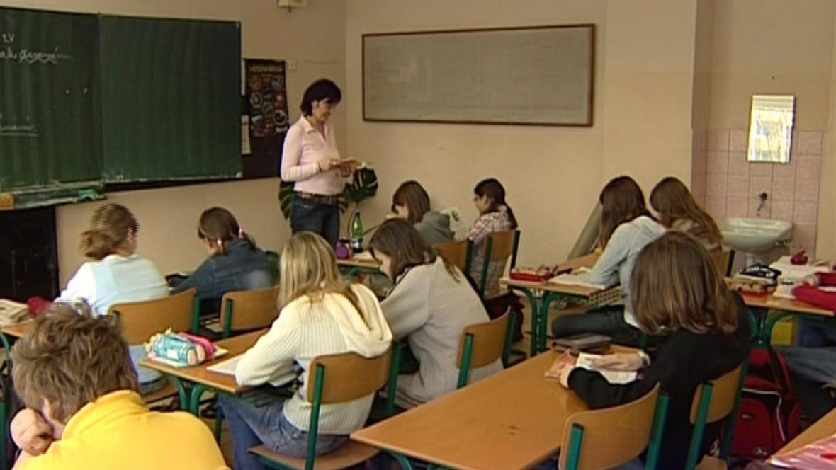 Šikana na školách je větší problém než kriminalita nebo gamblerství