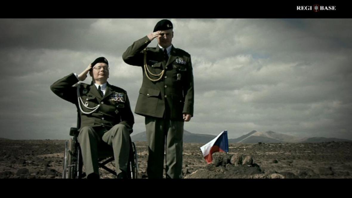 Záběr z videoklipu