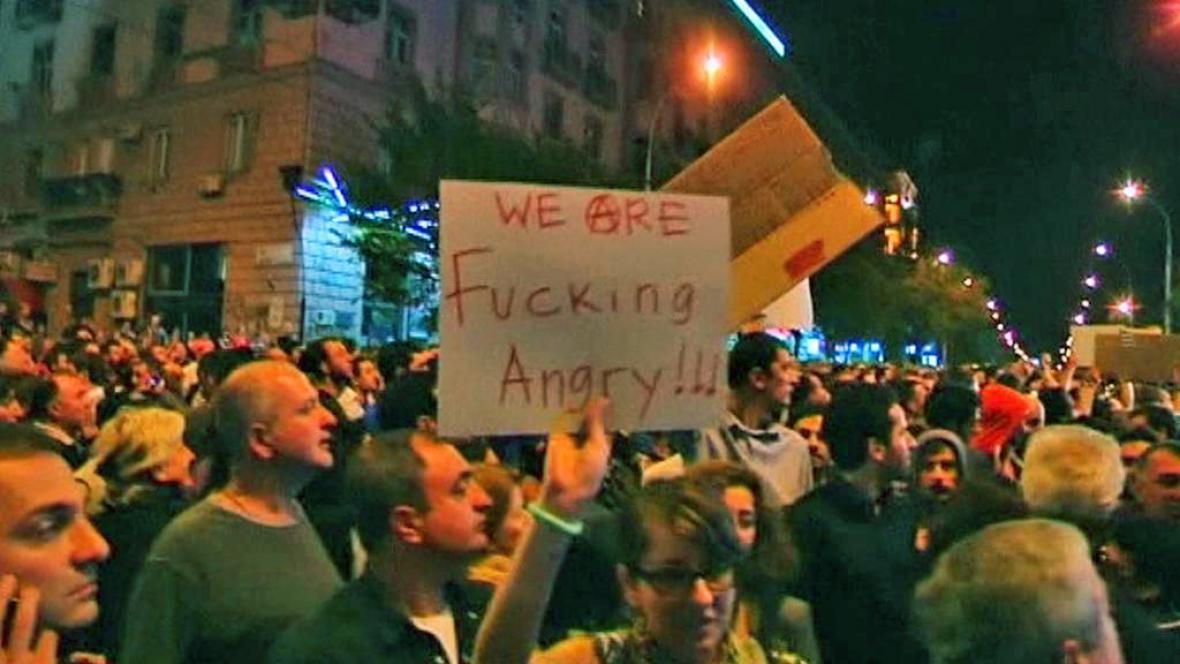 Protesty proti týrání vězňů v Gruzii