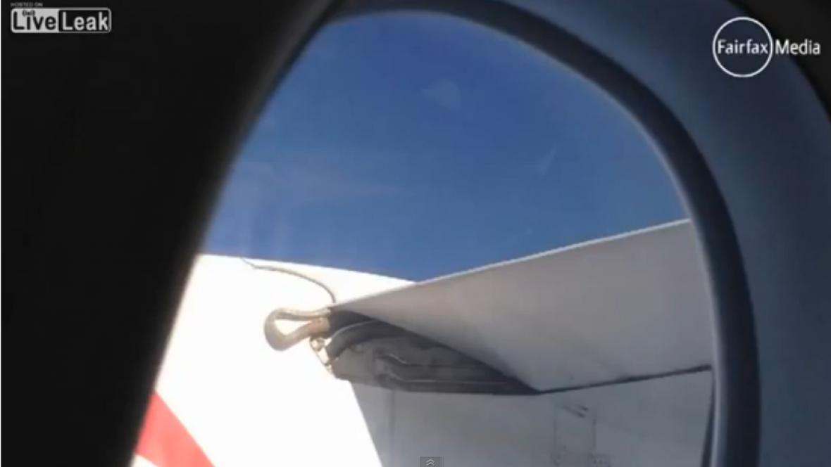 Krajta na křídle letadla