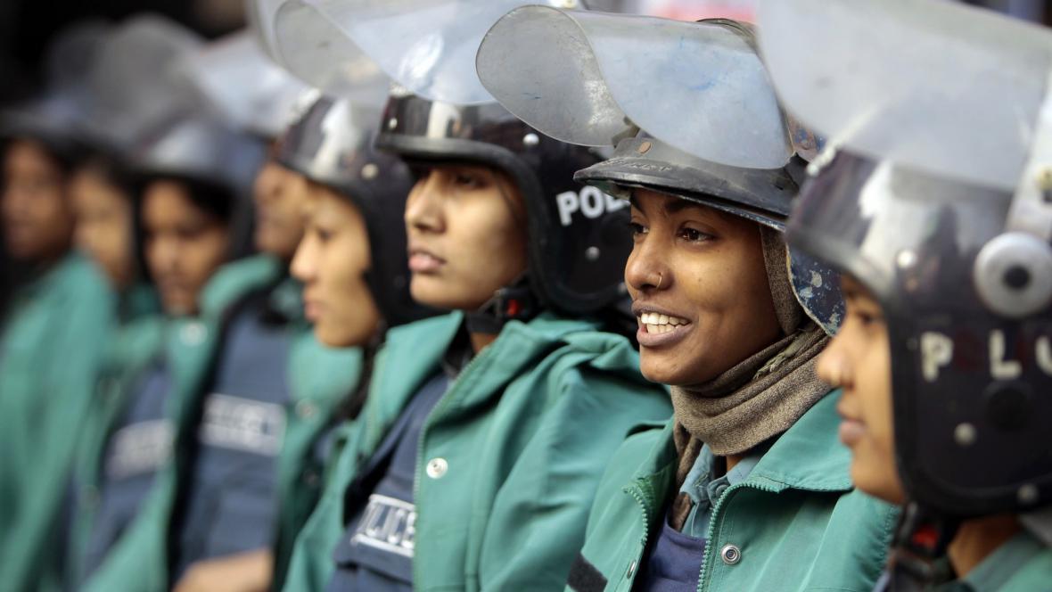 Příslušnice bangladéšské policie