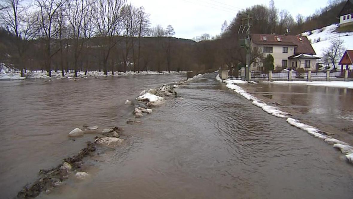 Hladiny řek stoupají