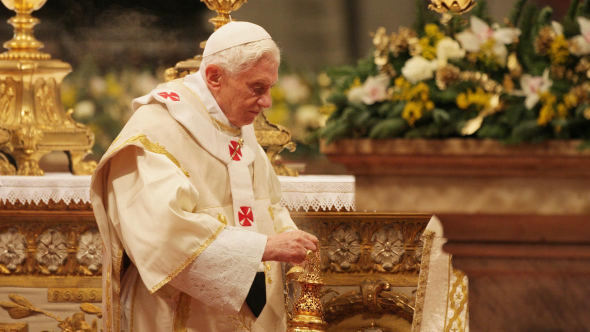 Papež Benedikt XVI. při novoroční mši