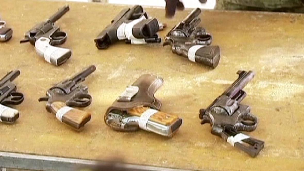 Mexičané v rámci nové kampaně odevzdávají zbraně