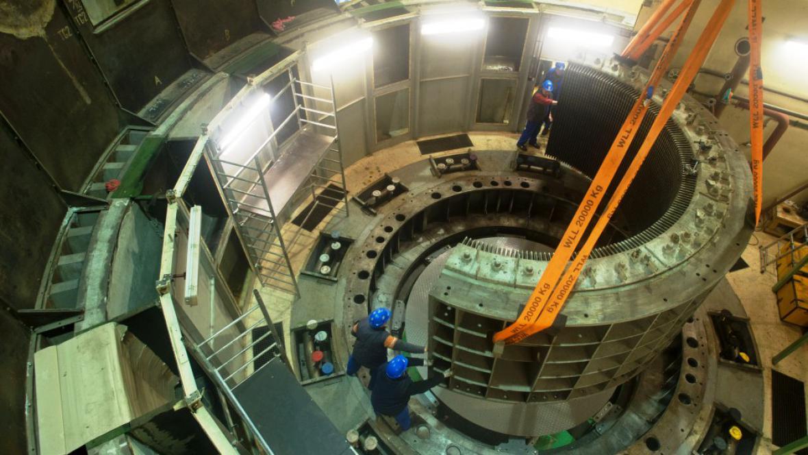 Stator generátoru Francisovy turbíny
