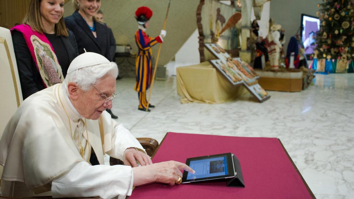 Papež na twitteru