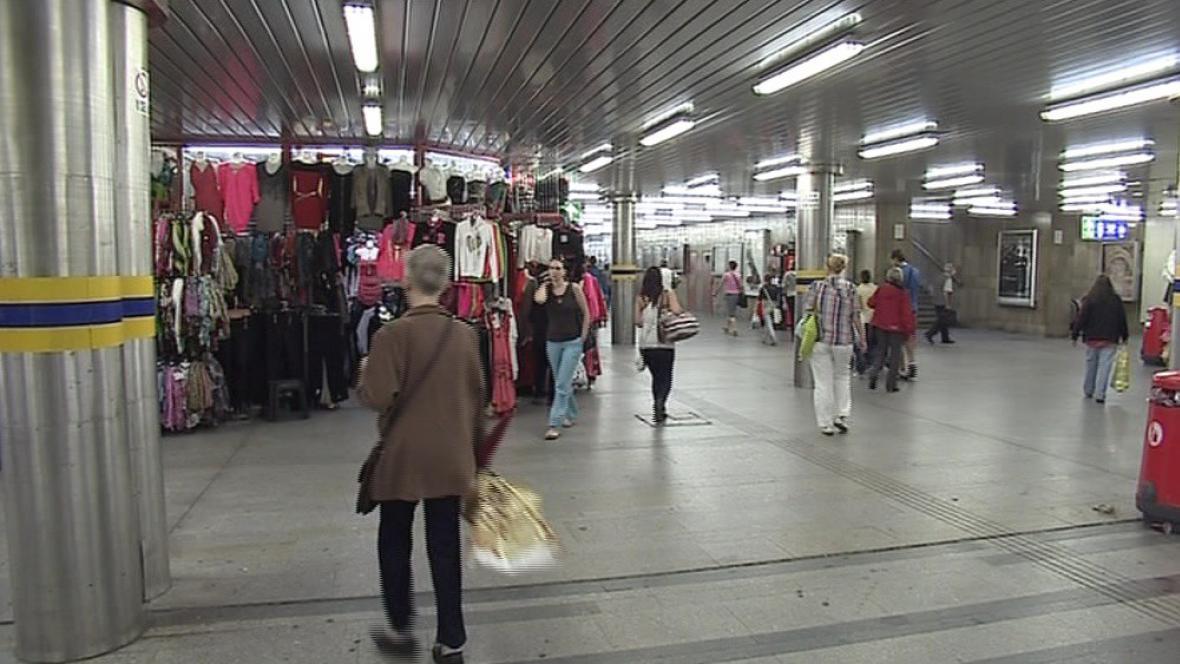 Fotky údajných kapsářů pochází často z podchodu u brněnského nádraží