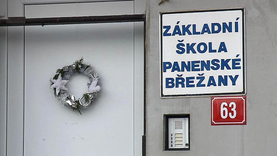 Škola v Panenských Břežanech