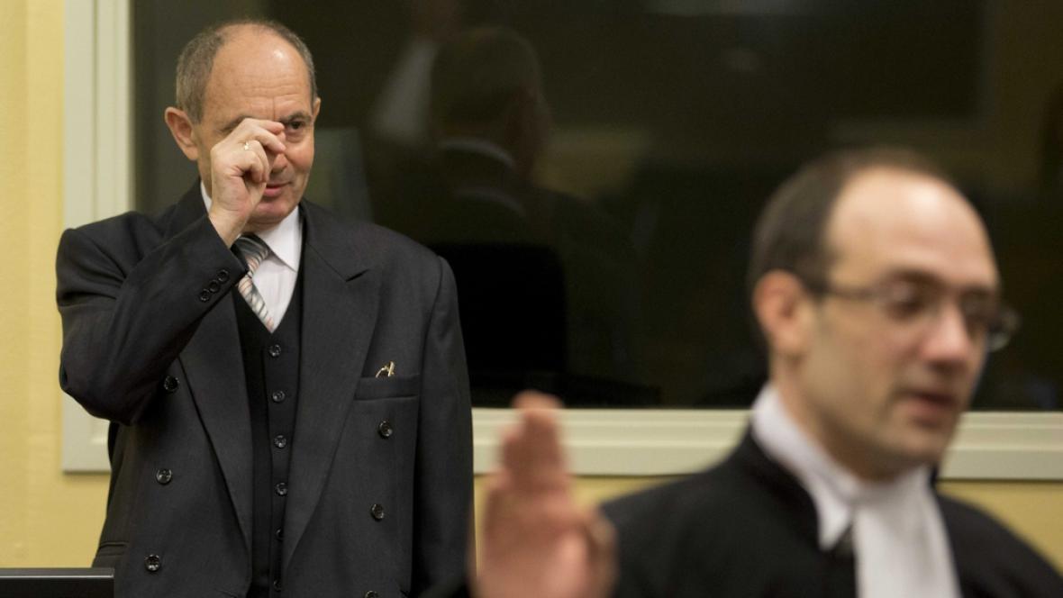 Zdravko Tolimir před tribunálem v Haagu