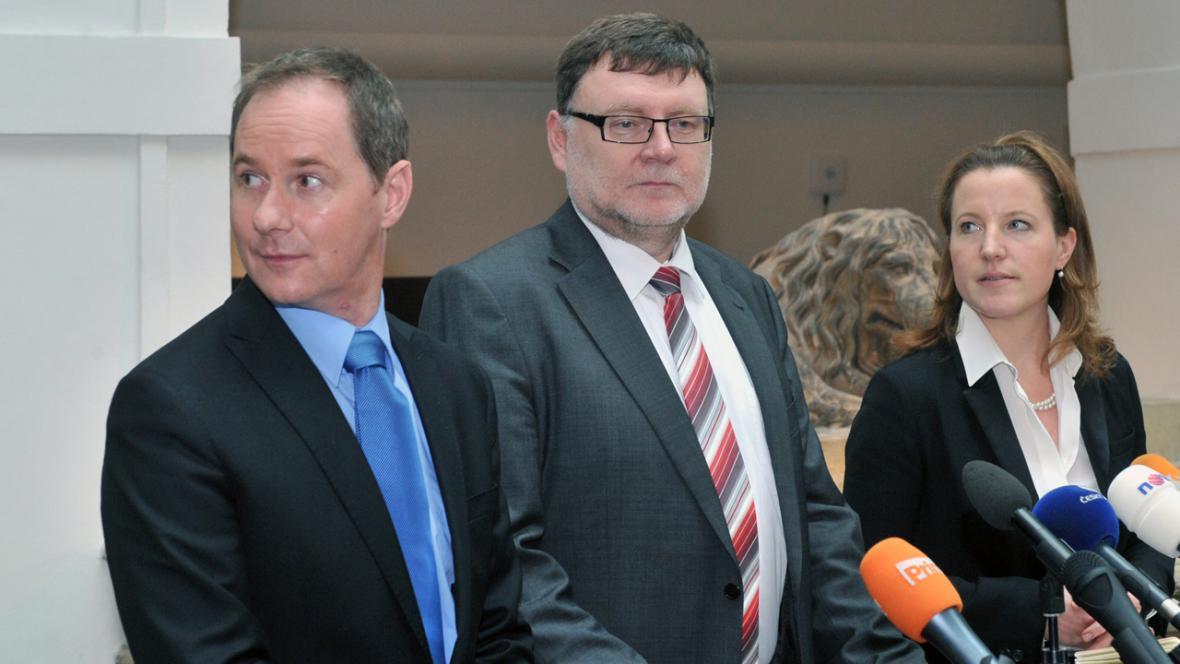 Petr Gazdík (TOP 09), Zbyněk Stanjura (ODS) a Karolína Peake (LIDEM)