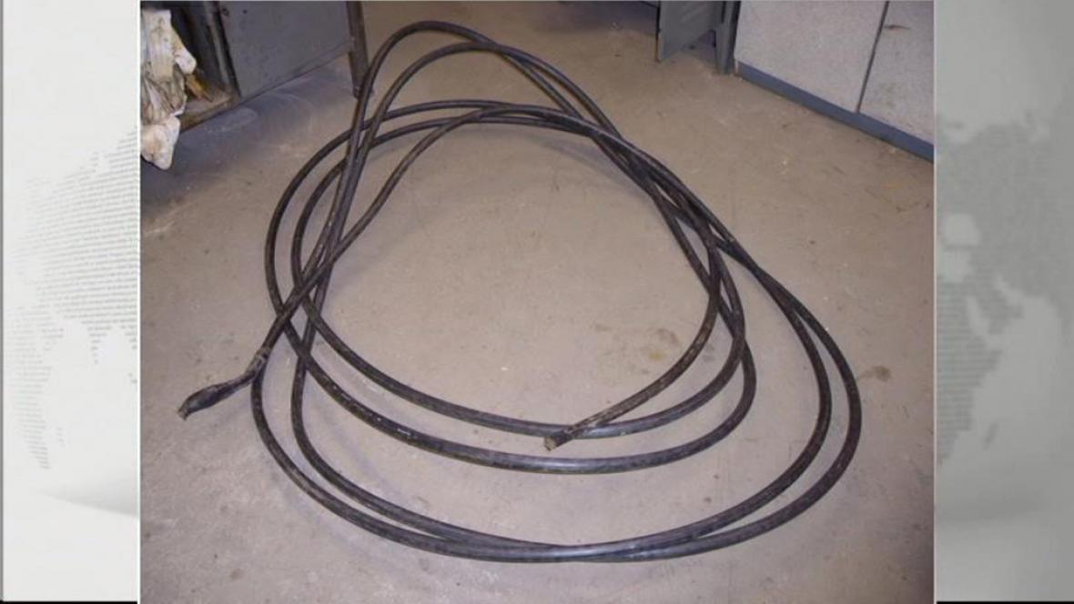 Ukradený kabel z trati