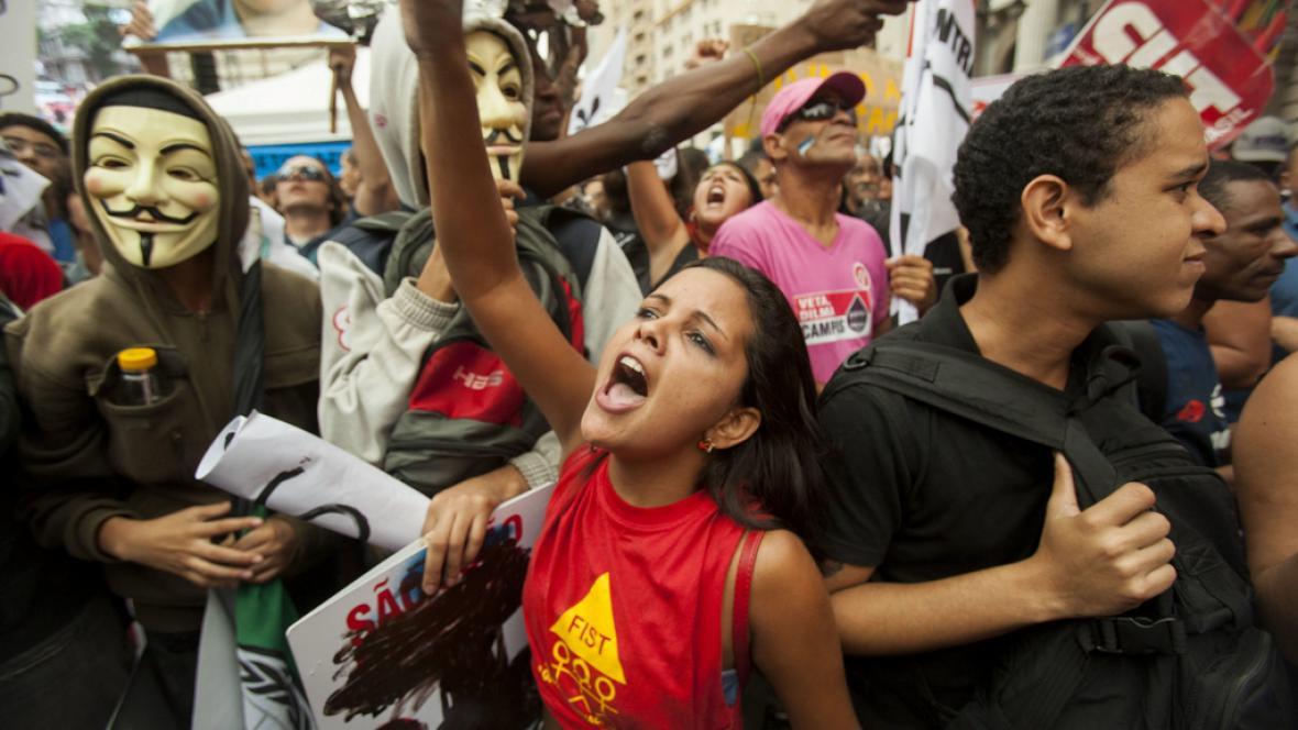 Protesty proti rozdělení zisku z těžby ropy