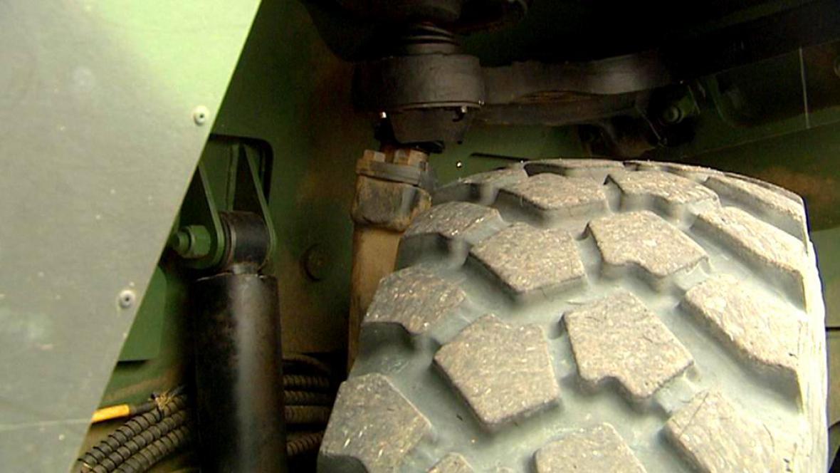 Utržená vzpěra u kola panduru