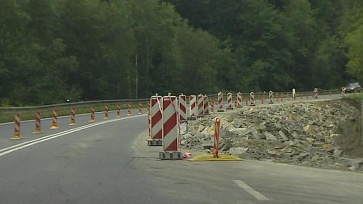 Zúžená silnice