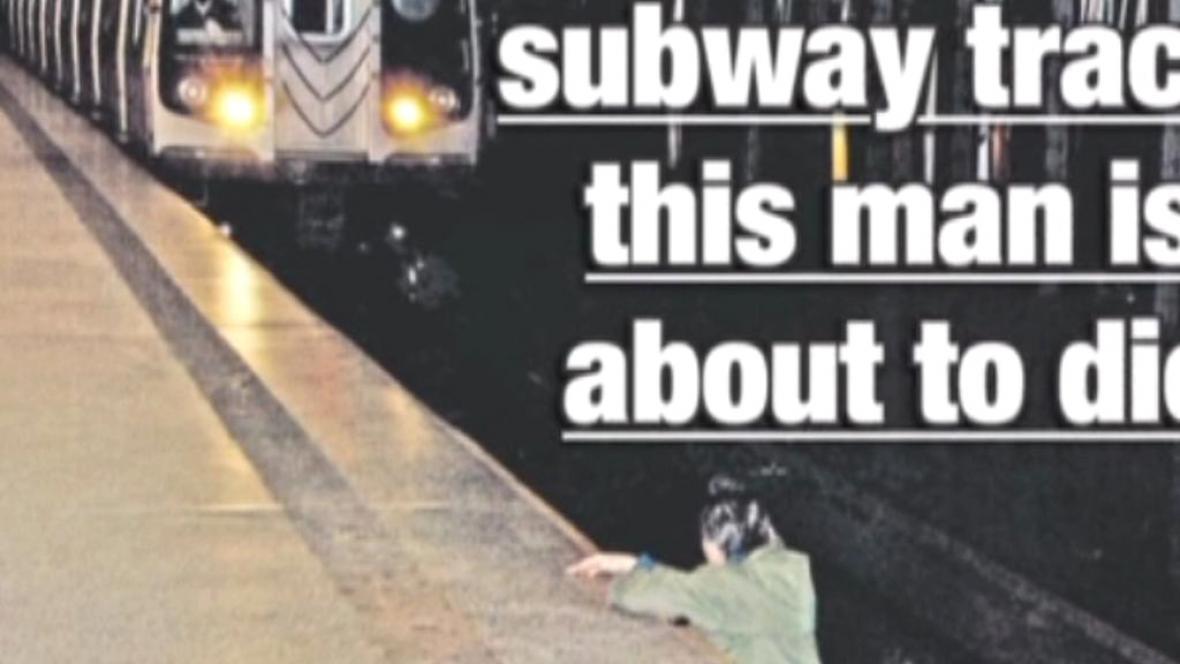 Noviny otiskly fotku muže, na kterého se řítilo metro