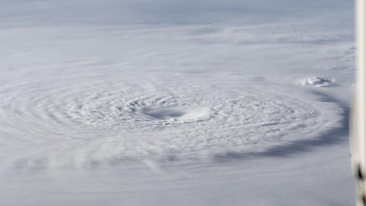 Tajfun Bopha vyfocený z ISS