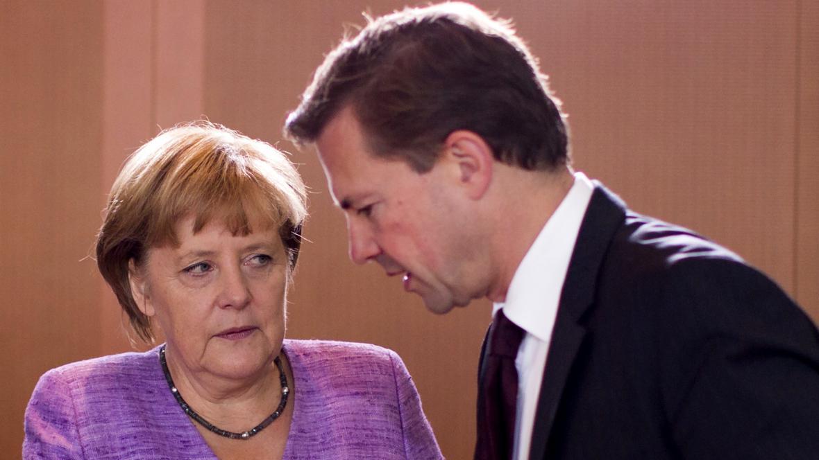 Angela Merkelová a Steffen Seibert