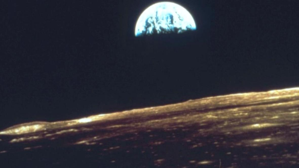 Američané chtěli provést na Měsíci jaderný výbuch