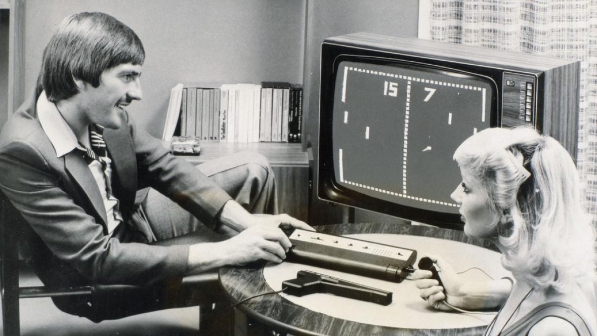 První masově oblíbená videohra Pong vznikla v roce 1972