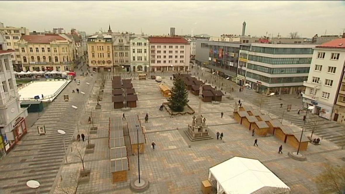 Ostrava v předvánočním shonu