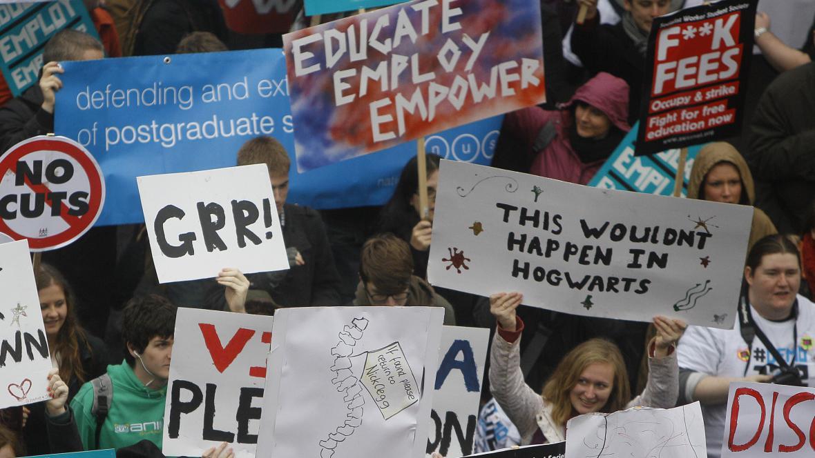 Protesty studentů v Londýně