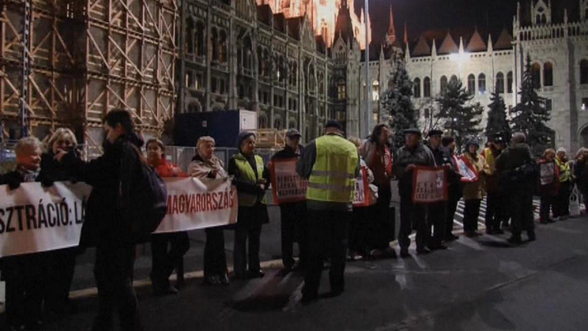 Protest před maďarským parlamentem