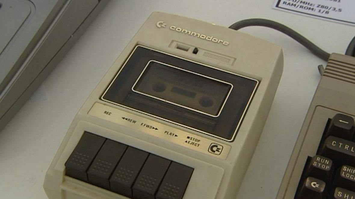 Kazetová mechanika k počítači Commodore