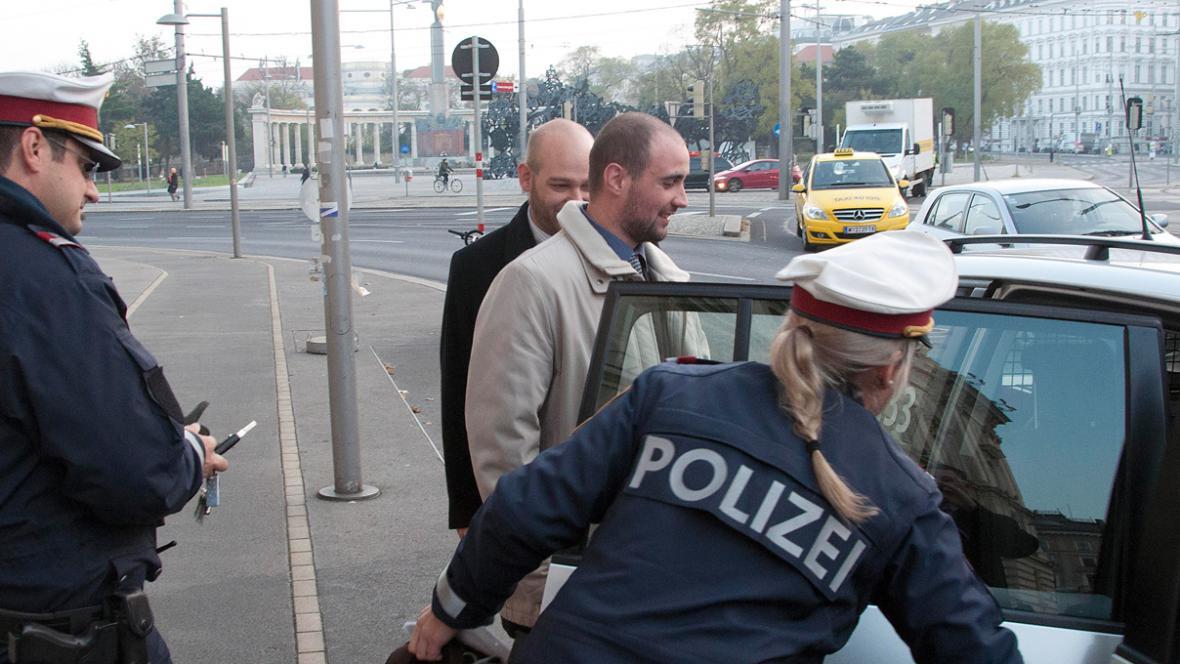 Rakouská policie zadržela Pavla Vondrouše