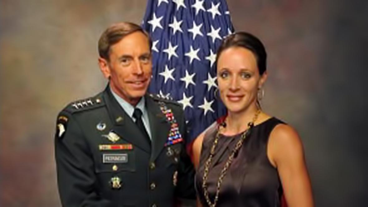 David Petraeus s Paulou Broadwellovou
