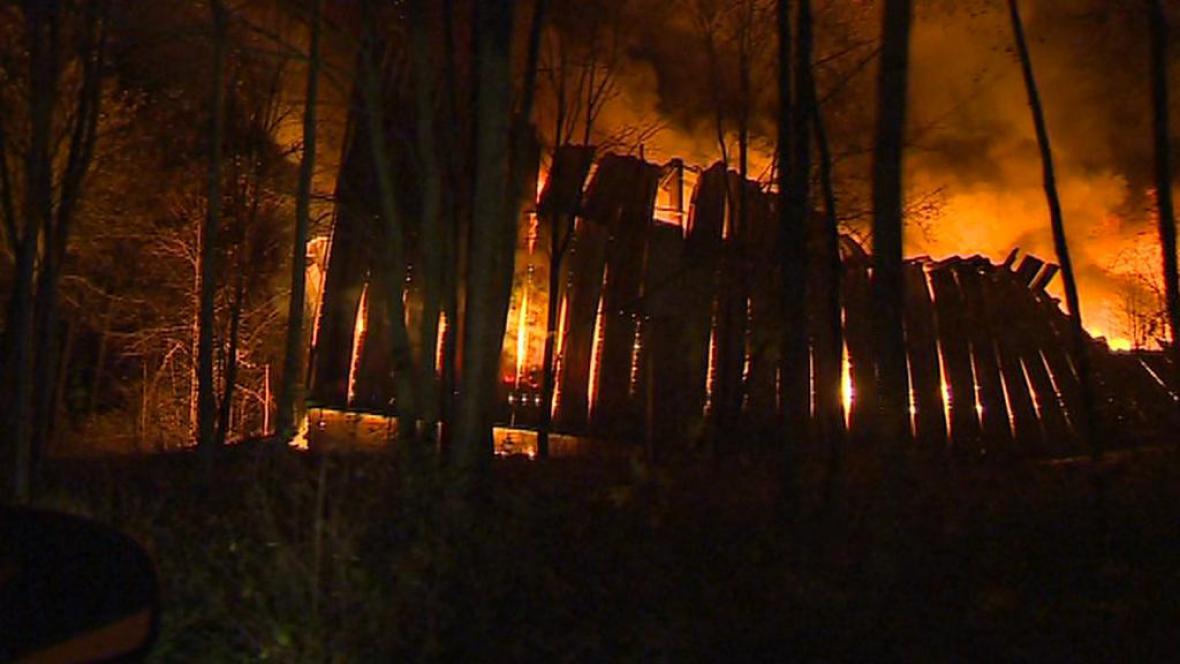 Požár textilu na Frýdlanstku