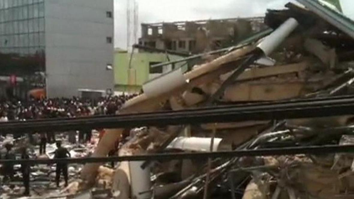 V Ghaně se zřítil obchodní dům