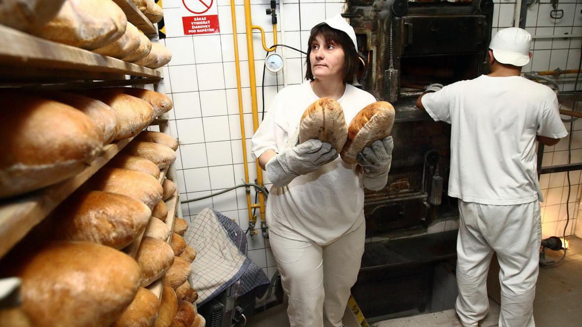 V pekárně