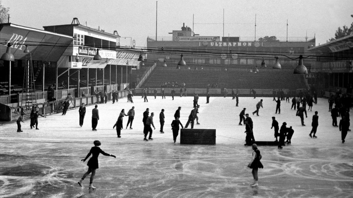 Zimní stadion Štvanice v roce 1947