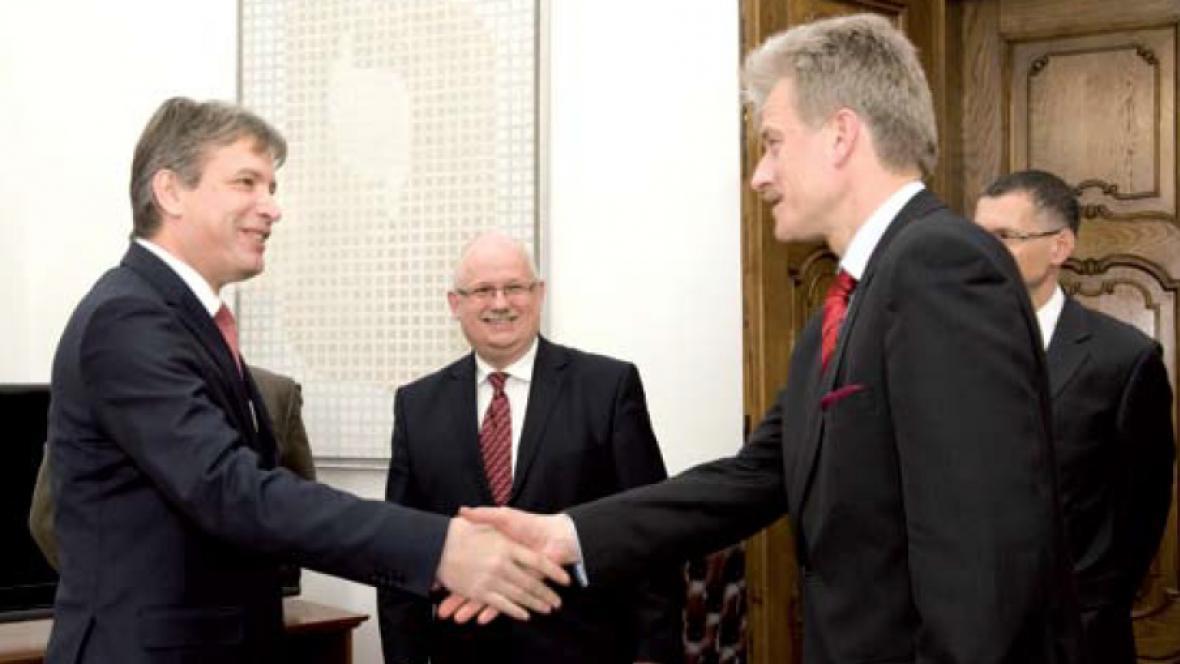 Brněnský primátor Roman Onderka s primátorem partnerské Poznaně R. Grobelným