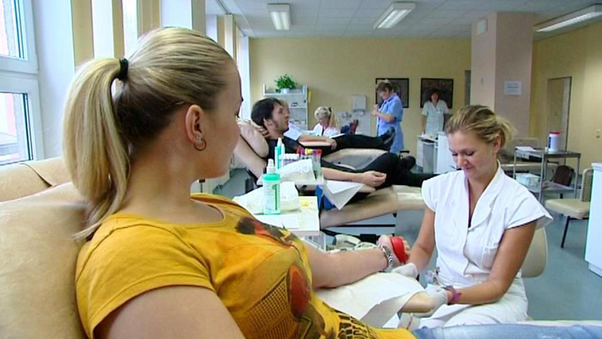 Dárci krve z řad studentů