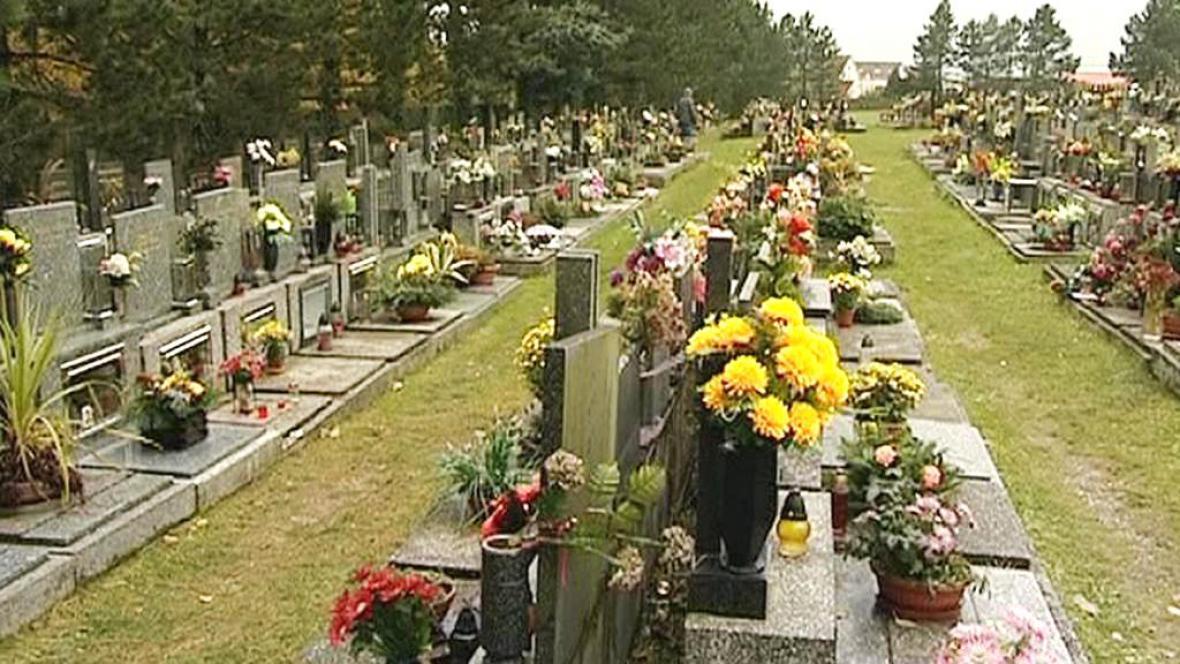 Vyzdobený hřbitov