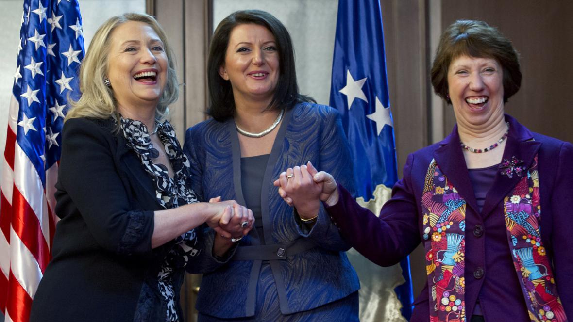 Hillary Clintonová, Atifete Jahjagová a Catherine Ashtonová