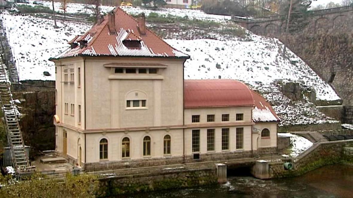 Vodní elektrárna na přehradě Les Království